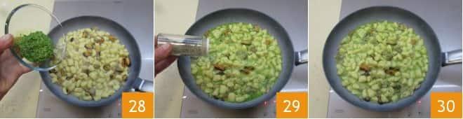 Chicche di patate al pesto con cozze e vongole
