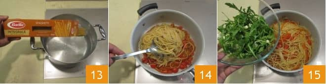 Spaghetti integrali con peperoni rossi, rucola e feta