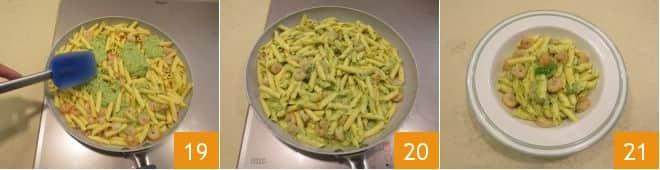 Garganelli con pesto di zucchine e gamberetti