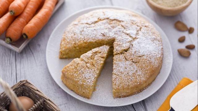 Ricetta torta di carote le ricette di - Cucina giallo zafferano ...
