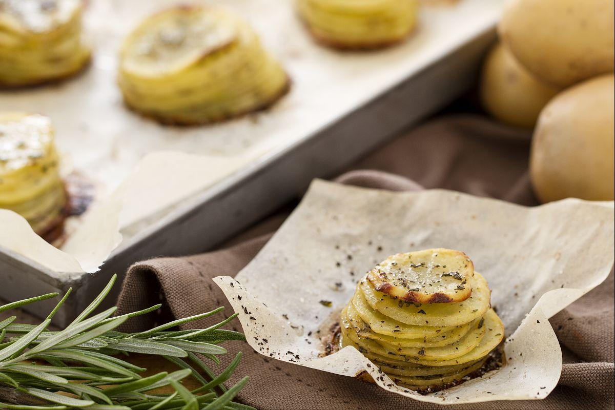10 contorni sfiziosi con le patate le ricette di for Cucinare arrosto